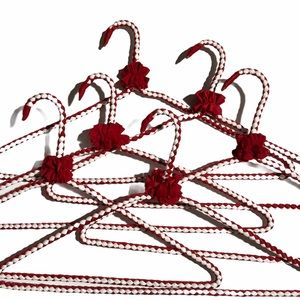 Handmade 6pcs Wire Fabric Wrap Hangers Red White